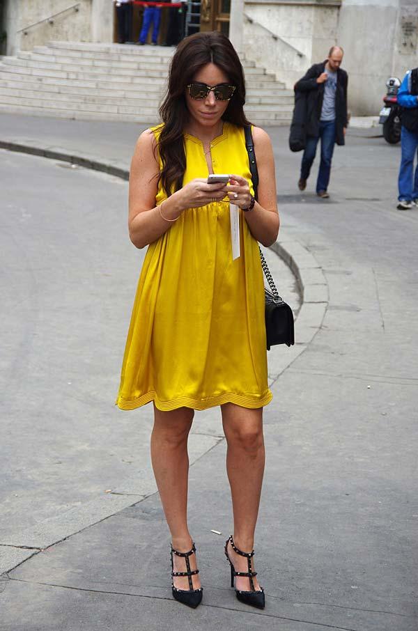 Желтое платье на лето