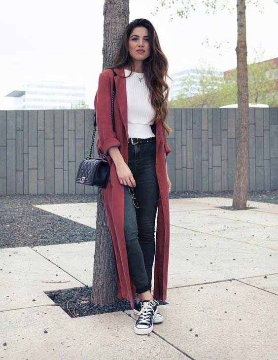 Кардиган с джинсами и кедами
