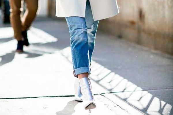 В офис и на свидание: 7 идеальных сочетаний с джинсами бойфренд фото 9