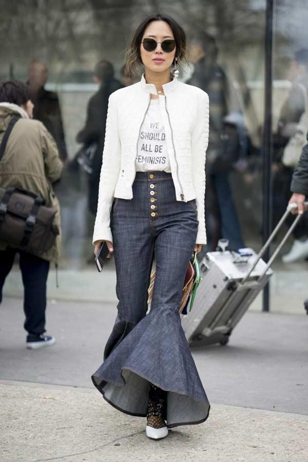 Образы с джинсами с оборками уличный стиль
