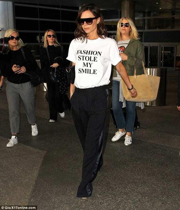 Виктория Бэкхэм (Victoria Beckham) образ с футболкой