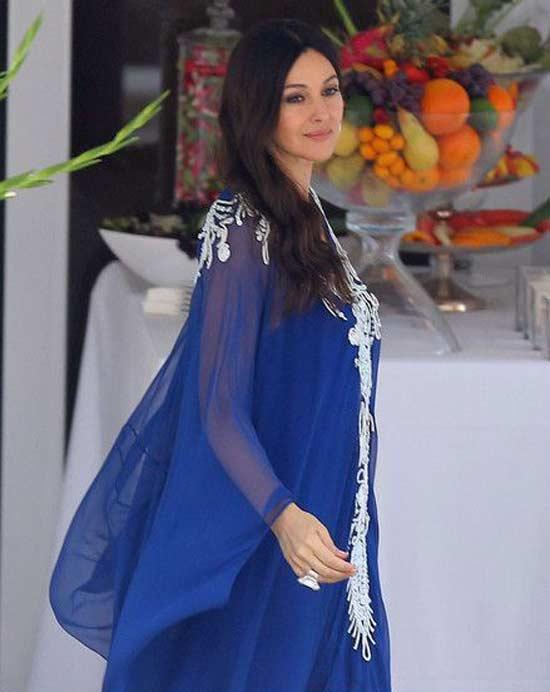 Свободное платье, пример, Моника Белуччи