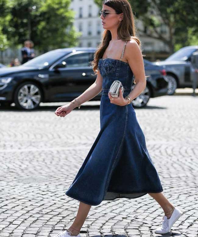Модный джинсовый сарафан для девушки
