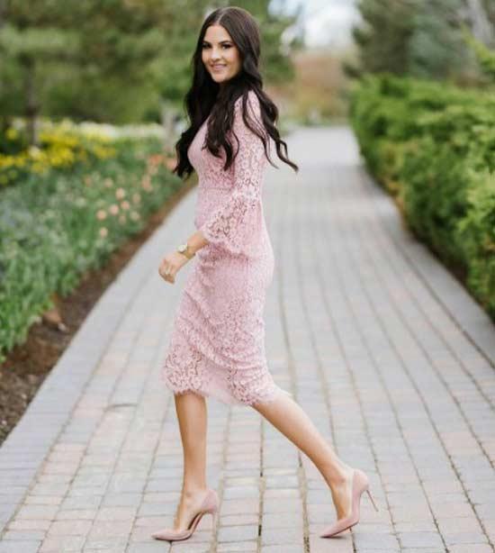 Розовое кружево платье миди