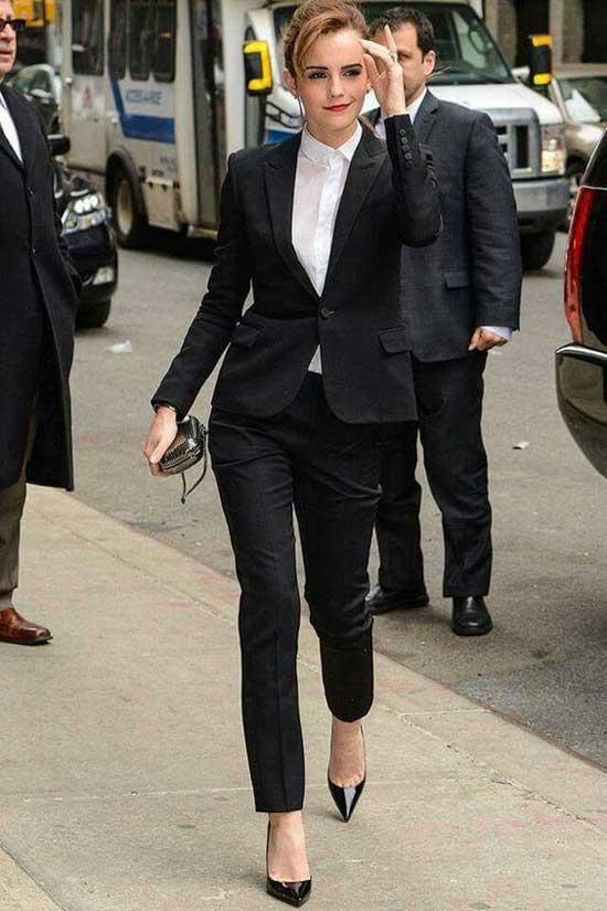 Черный строгий костюм
