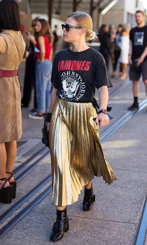 Металлизированная юбка миди с ботильонами