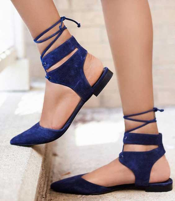 Остроносые балетки со шнуровкой