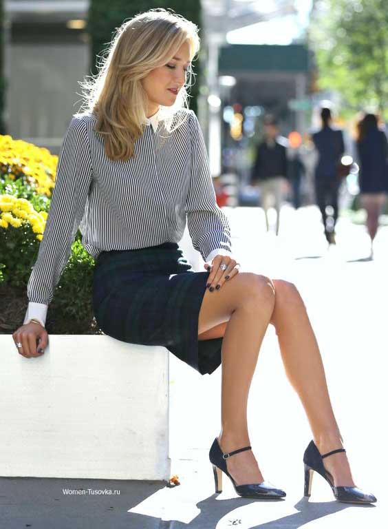 Полосатая блуза в офисном стиле