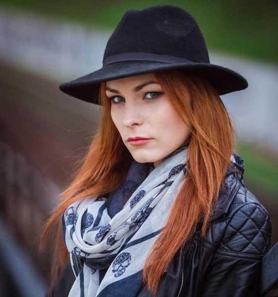 Керро - экстрасенс с рыжими волосами