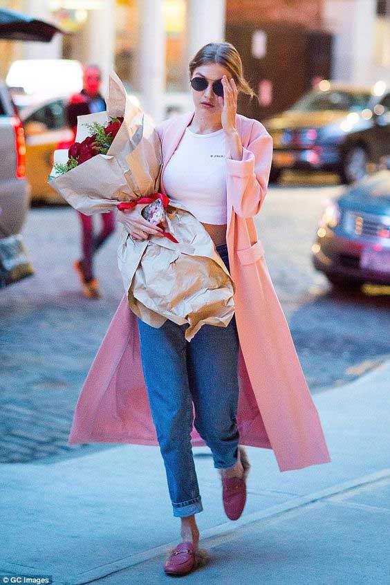Как выглядеть круто в джинсах-бойфренд: учимся у Джиджи и Беллы Хадид