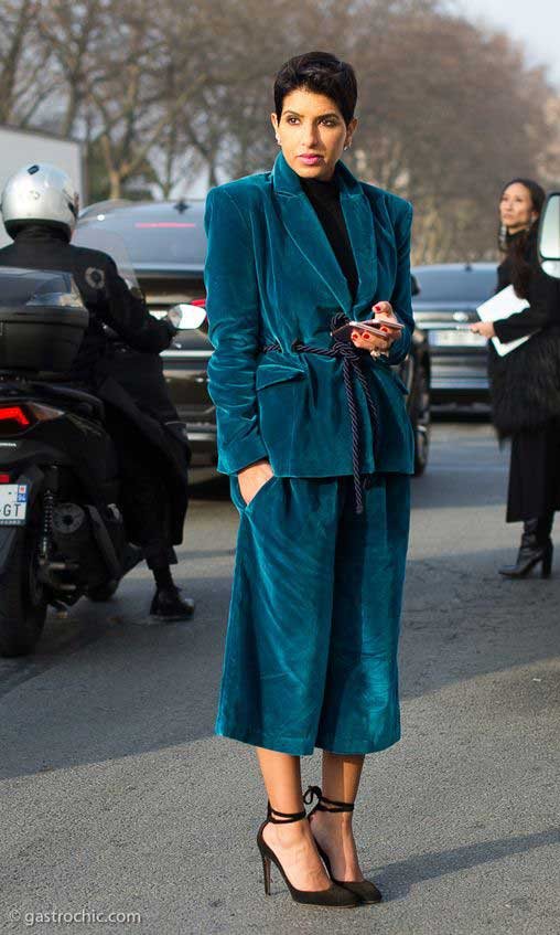 Бархат снова в моде: как носить и с чем сочетать