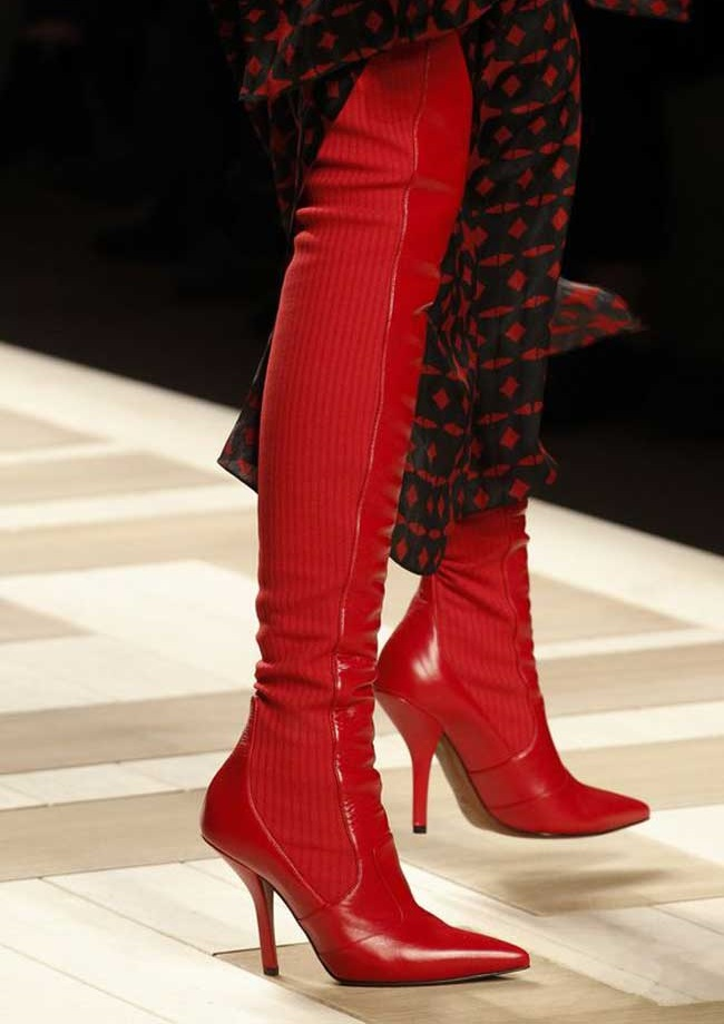 Модная осень сапоги ботфорты