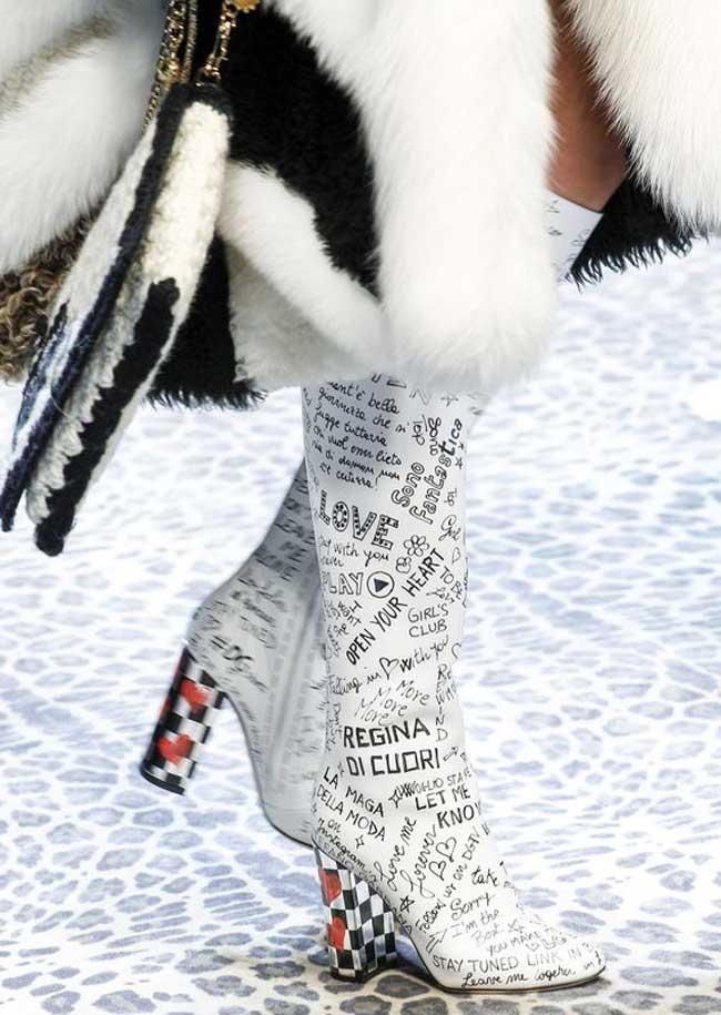 Модная обувь с логотипом