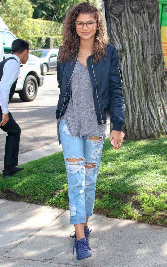 Zendaya образ с джинсами