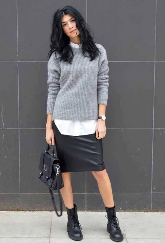 Стиль нормкор - серый свитер, черная юбка, белая футболка, ботинки