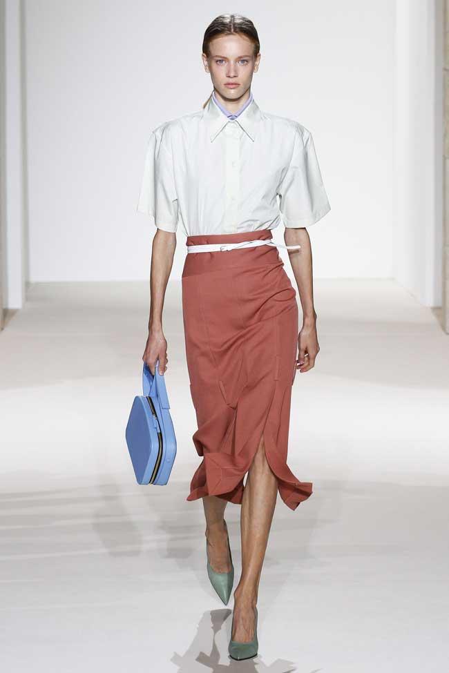 Образ белая блуза + юбка миди