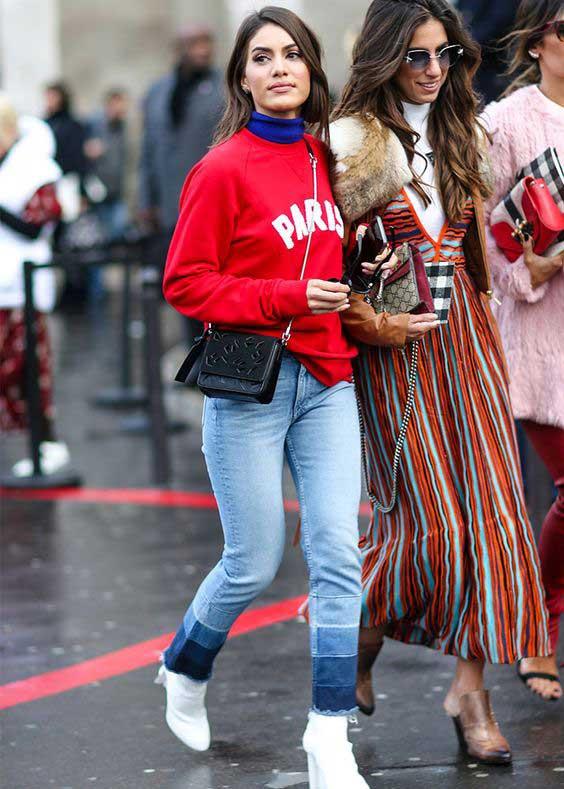 Уличный стиль - красная толстовка с джинсами