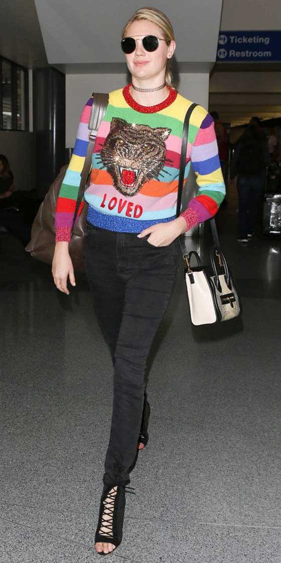 Кейт Аптон свитер с рисунком