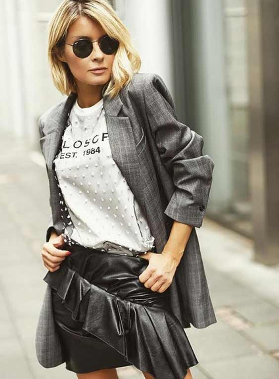 Пиджак и мини юбка