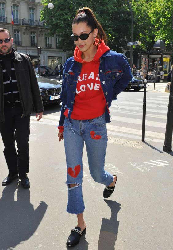 Красная толстовка + джинсы