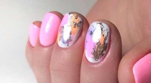 Уникальный дизайн на коротких ногтях