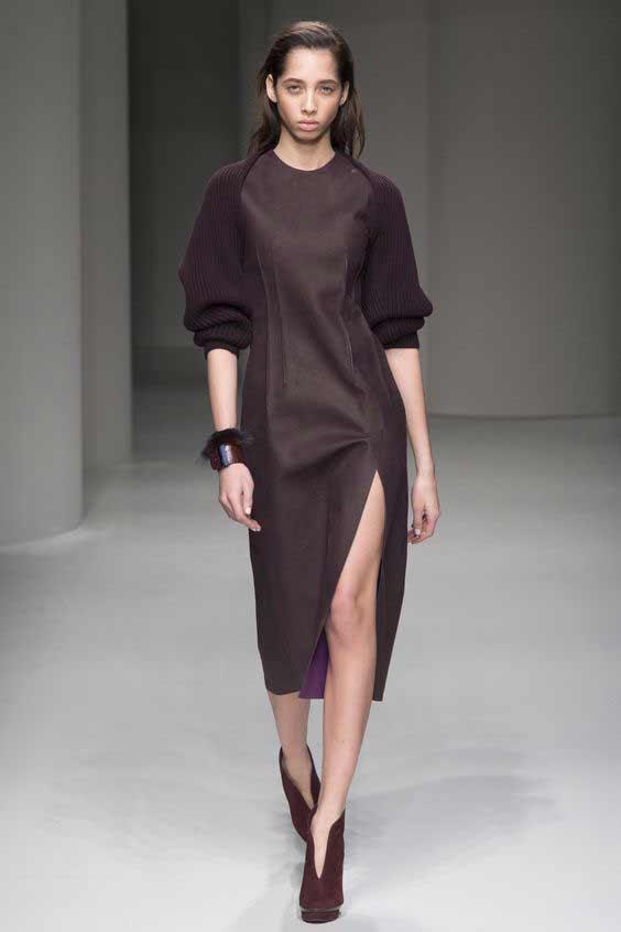 С вязаными рукавами, офисный стиль платья