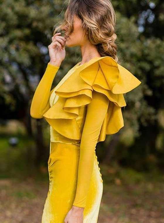 Желтое бархатное платье на Новый год 2018
