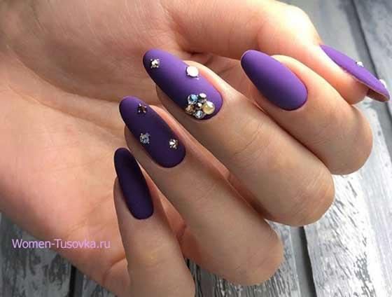 Фиолетовый со стразами