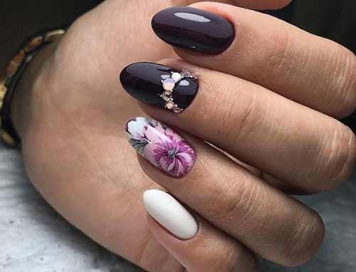 Дизайн ногтей с одной наклейкой