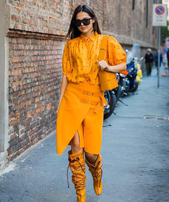 Новинки юбок 2018 - желтая кожа