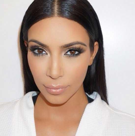 Брови Ким Кардашьян знаменитость, у которой идеальные брови