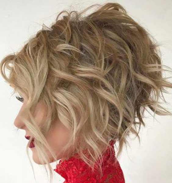 Укороченный боб светлые волосы
