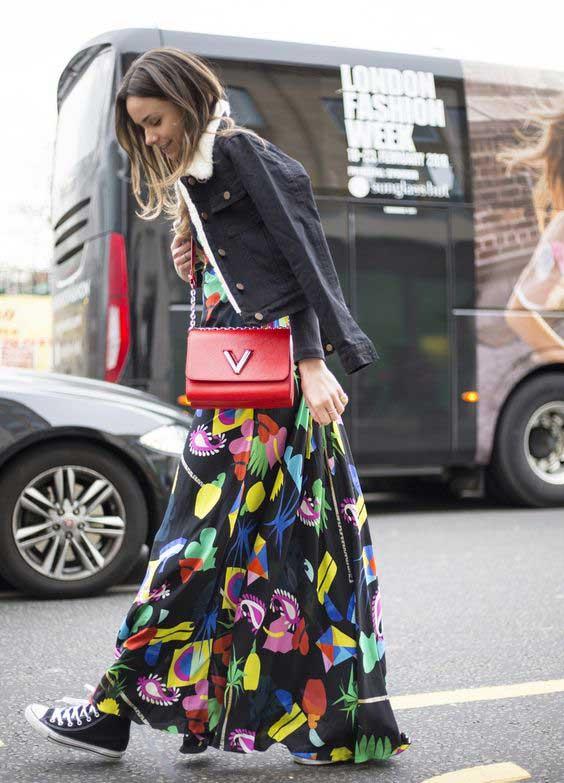 Длинная юбка с кедами