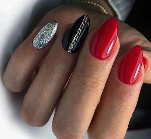 Черный с красным и серебром маникюр