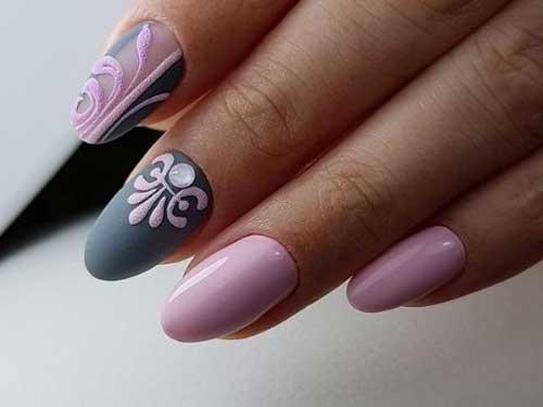 Серо-розовый нейл-дизайн