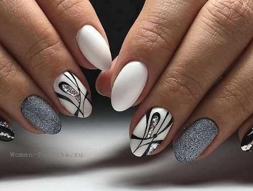 Серый маникюр с украшениями
