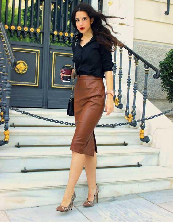 Коричневая кожаная юбка-карандаш. с чем носить