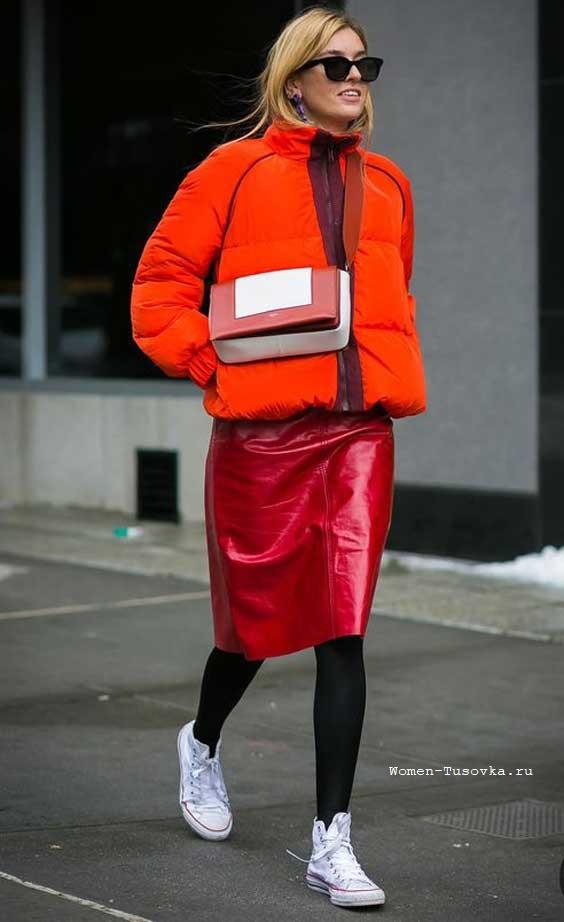 Юбка-карандаш красная кожа с курткой пуховик
