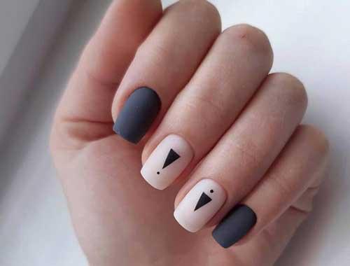 Серый маникюр на коротких ногтях