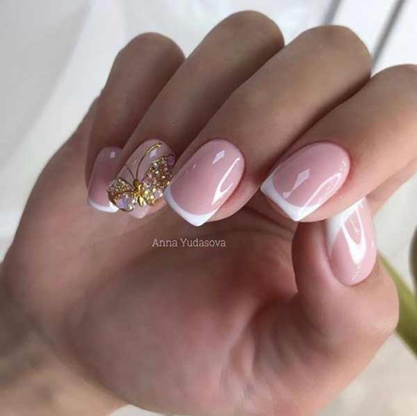 Френч на ногтях с бабочкой