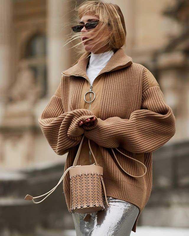 Серебряная юбка модная в 2018 году