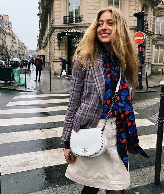 Пиджак с юбкой и блузой