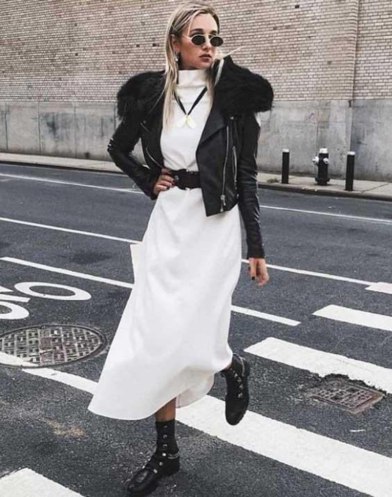Белое платье с кожаной курткой