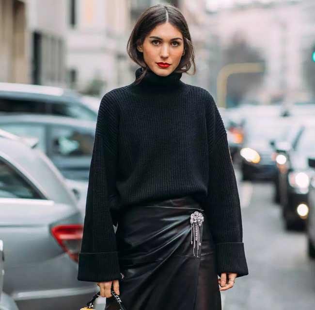 Черный свитер оверсайз 2018