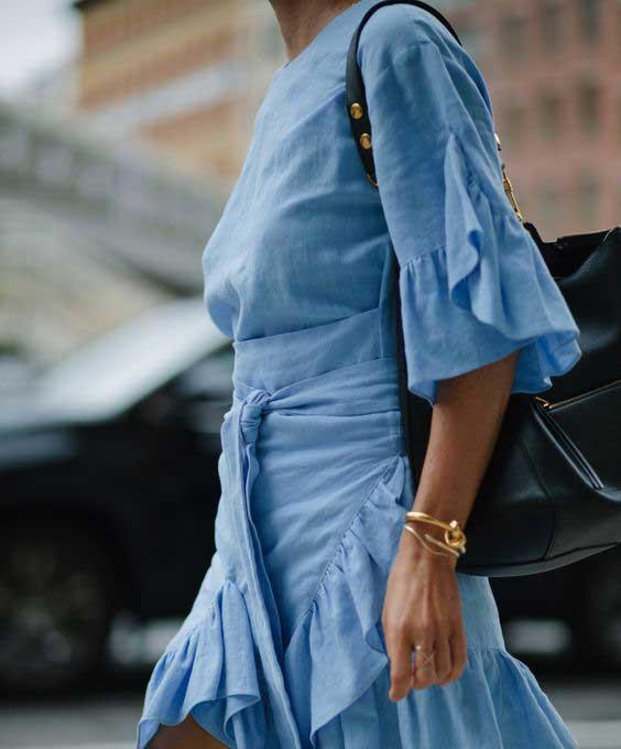 Голубое платье в стиле бохо