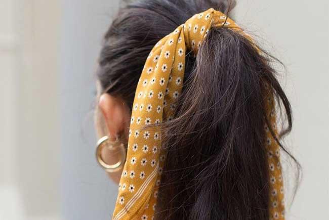 Прическа с шейным платком
