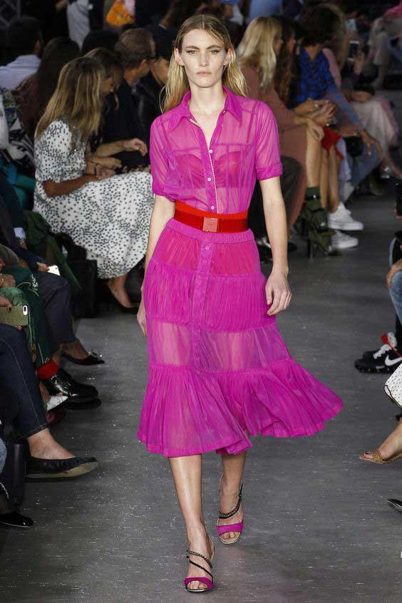 Фиолетово-розовый цвет платье-рубашка