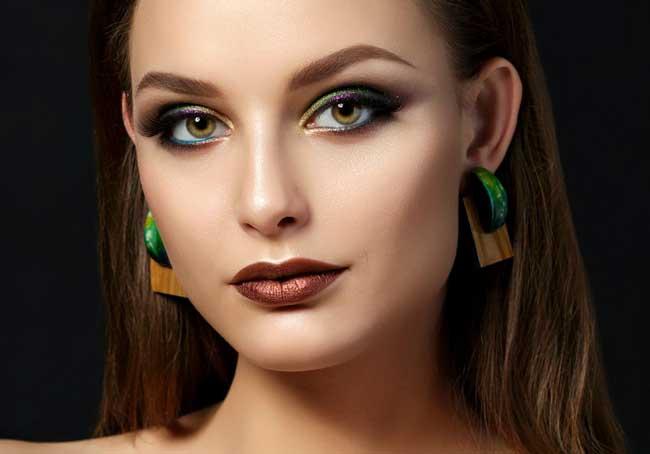 Многоцветные стрелки макияж