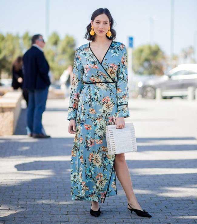 Соломенная сумка с летним платьем