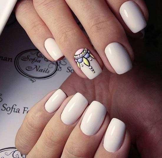 Дизайн квадратной формы ногтей